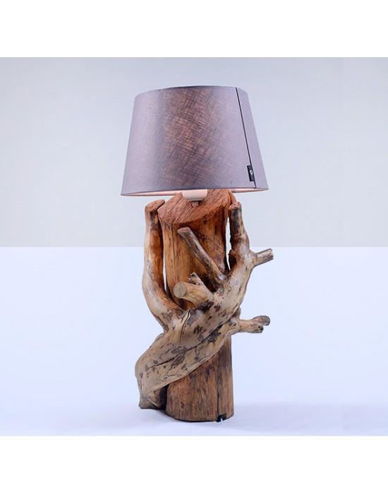 Llum amb heura abraçada a tronc de pi