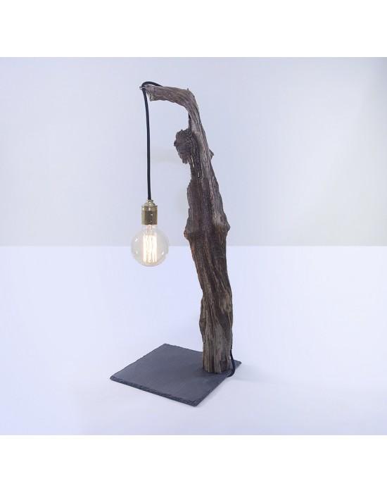 Lámpara con tronco de pino