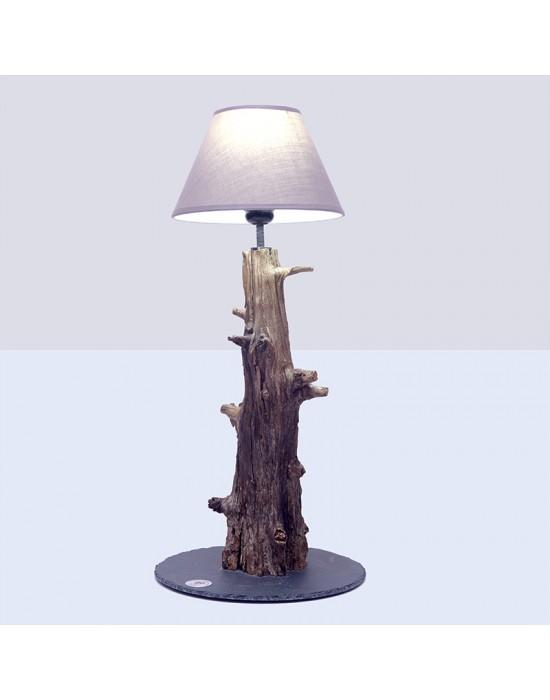 Lámpara con tronco envejecido