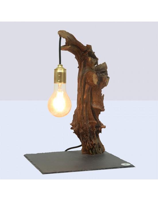 Lámpara con tronco viejo