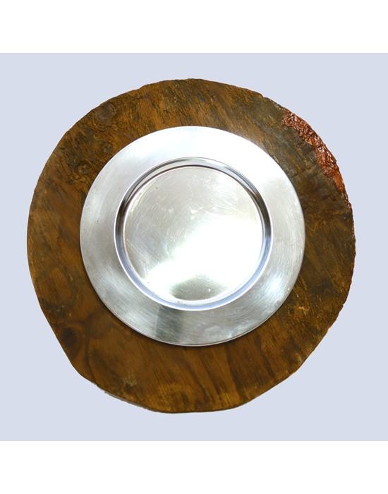 Espejo antiguo con madera y plato antiguo